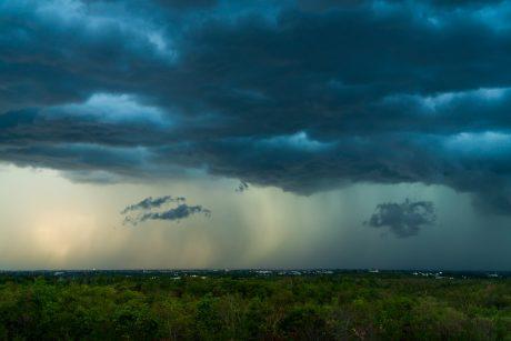 Orai: lietaus ir perkūnijos debesys lankysis dar ne kartą