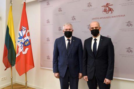 Krašto apsaugos ministro ir STT direktoriaus susitikime – apie korupcijos prevencijos svarbą