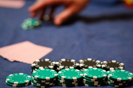 yra prekybos galimybės tokios kaip azartiniai lošimai maržos prekybos ateities sandoriai ir pasirinkimo sandoriai