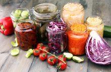 Konservuotos daržovių mišrainės – naudingos ir maistingos <span style=color:red;>(receptai)</span>
