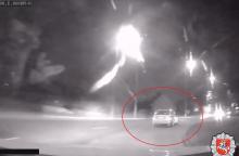 Kaune siautėjusį girtą vairuotoją sustabdė tik šūviai <span style=color:red;>(vaizdo įrašas)</span>